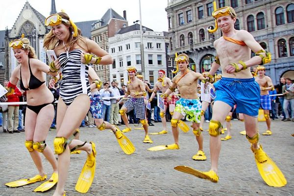 Amsterdam: corsa delle pinne 3