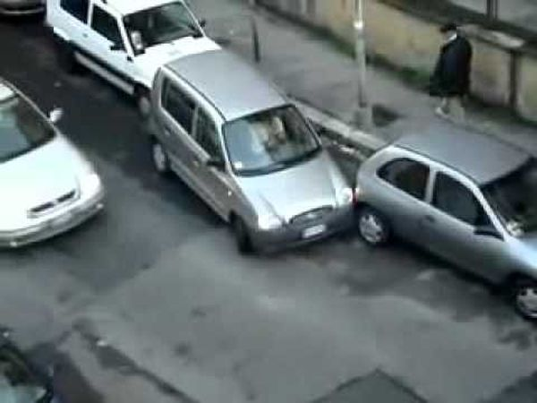 bad parking: mancava poco poco