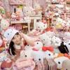 Asako Kanda con i suoi Hello Kitty