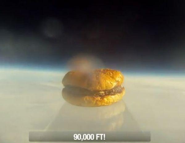 Hamburger lanciato nello spazio