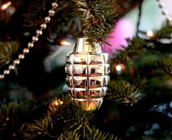 Palla di Natale bomba a mano