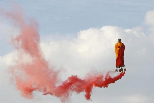 Li Wei lievita in cielo