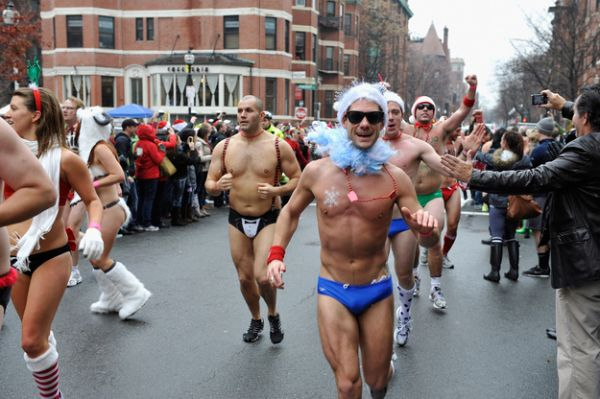 santa speedo run 4