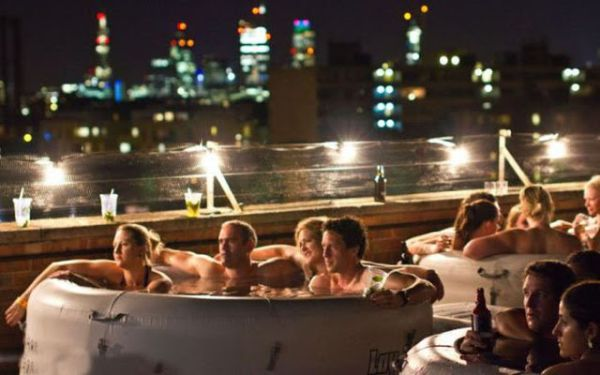 Hot Tub Cinema 4