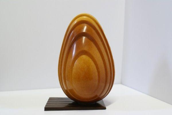 uovo di pasqua di finto legno