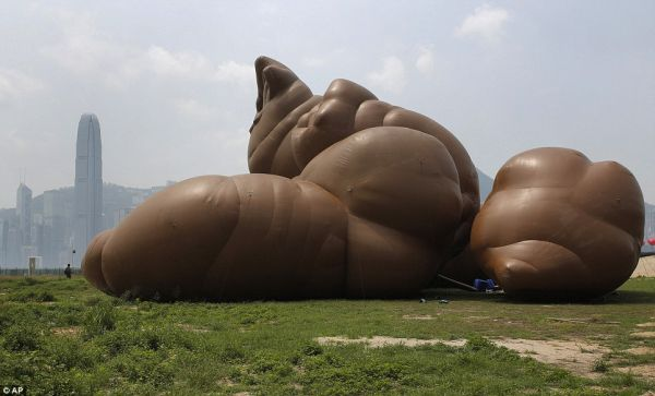 cacca gigante 2