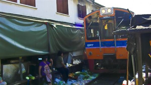 Mercato Mae Klong 3