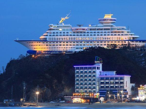 Sun Cruise Hotel 3