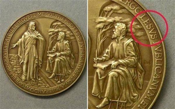 Moneta commemorativa sbagliata