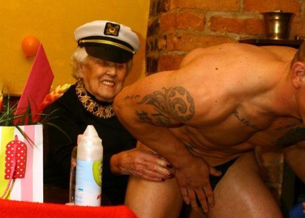 Doris Deahardie con spogliarellista