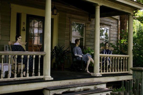 John Lawson House: manichini 1