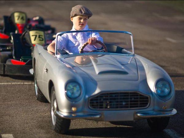 Aston Martin per bambini 3