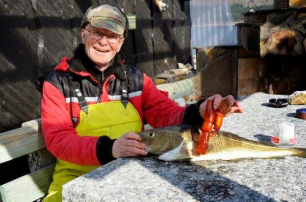 Pescatore trova vibratore dentro pesce 1
