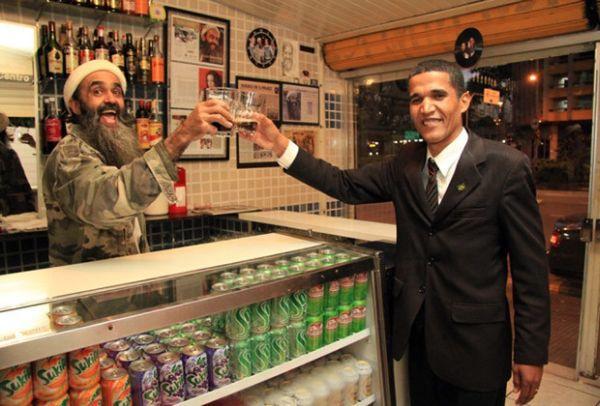 Francisco con un sosia di Barack Obama