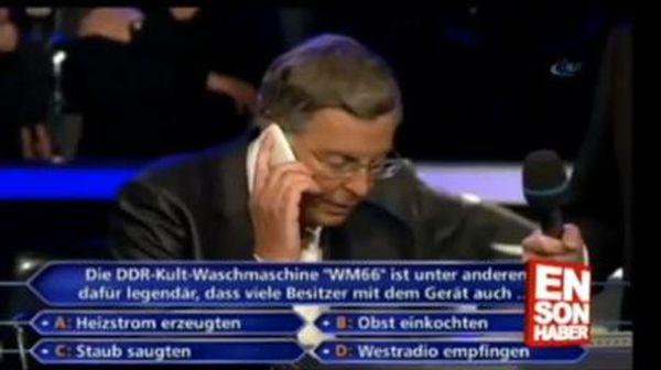 concorrente quiz chiama Merkel