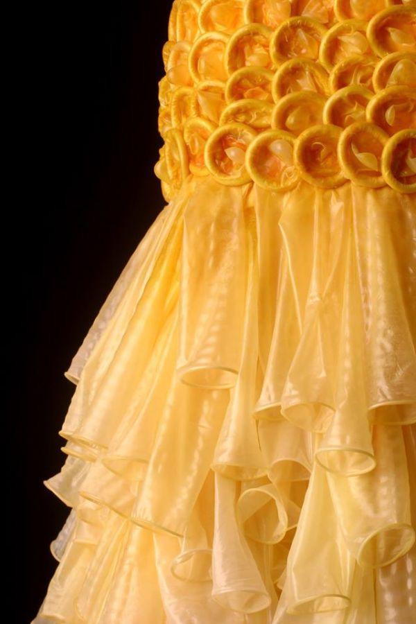 Condom-dress 2