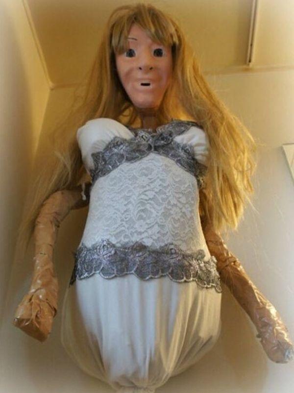 Doccia-fidanzata inquietante