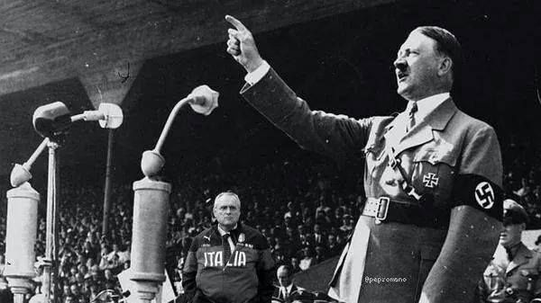 Lotito con Hitler