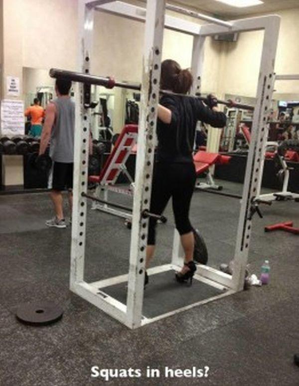 squat con tacchi a spillo