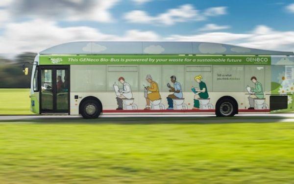 autobus alimentato da feci 1