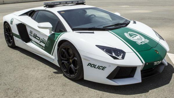 Lamborghini Aventador polizia di Dubai