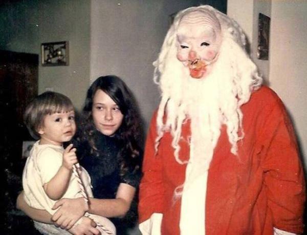 babbi natale inquietanti con maschera 2