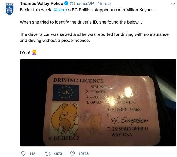 Polizia di Thames Valley pubblica su Twitter la patente di Homer Simpson