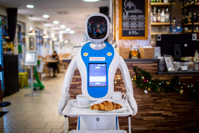 A Budaperst il bar dove lo staff è composto da robot