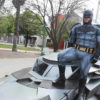 Batman vola in Messico per combattere il Coronavirus